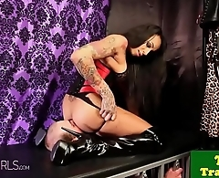 Dominating tranny pornstar whipping her lover