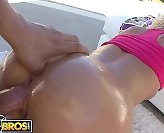 BANGBROS - PAWG Kimmy Olsen Paints With Her Ass And Gets Fucked