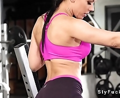 Hottie gets her ass licked at gym