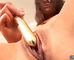 Sultry sweetie is gaping slim cunt in closeup and having orgasm