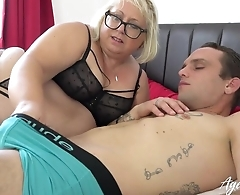 Fat mature bitch with pierced cunt blows younger guy