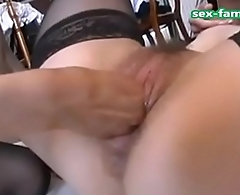 WWW.SEX-FAMILY.COM - French girls amateur threesome fisting